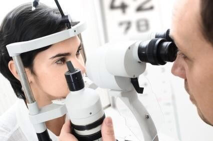 Blog: Choosing The Right Eye Doctor For You